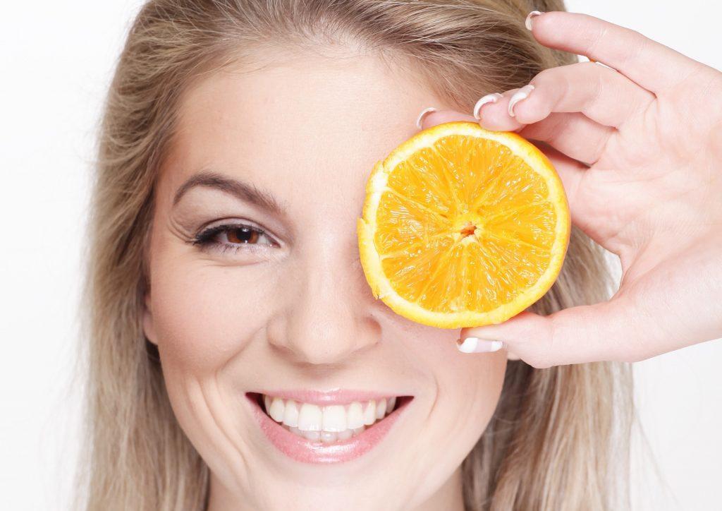 How Vitamin C promotes healthy gums-min